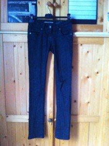 (5) Pantalon noir craqué au genou T34-36 - 9€ img_2551-224x300