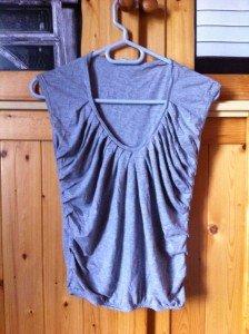 (18) Tee shirt gris (T:S)- 7€ img_2643-224x300