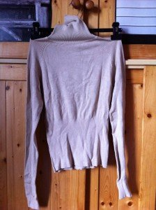 (20) Pull colle roulé beige (T:S) - 7€ img_2647-224x300