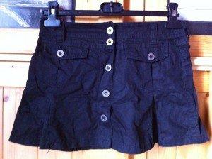 (30) Jupe noire à boutons T34 - 15€ img_2676-300x224