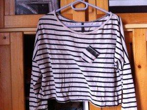 (36) Tee shirt court à rayures et poche strass (T:S ou M) - 15€ img_2691-300x224